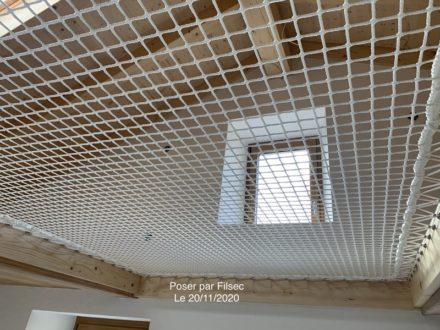 Pose filet mezzanine sous les toits